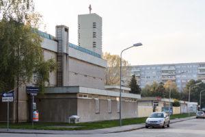 Kirche St. Stanislaus Kostka, Pfarre Kagraner Anger, Außenansicht